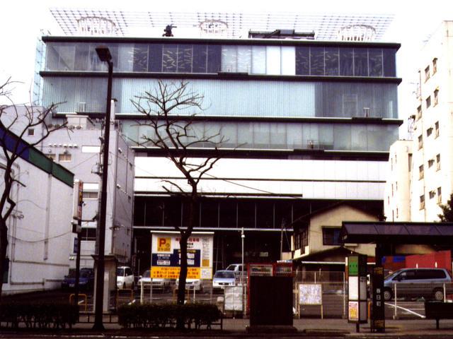 写真:外観東側