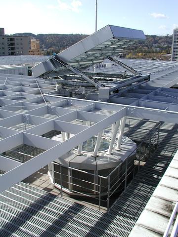 写真:太陽採光装置全体